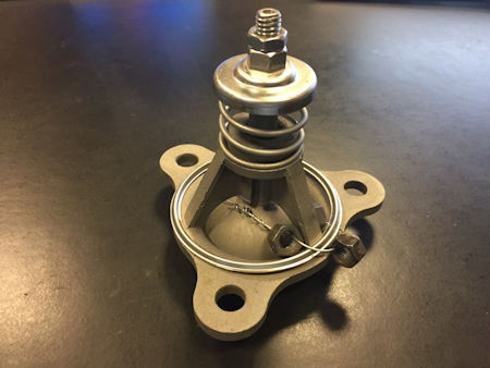 Graver spray valve